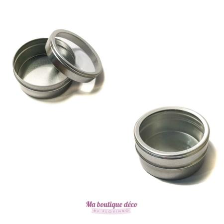 lot de boîtes rondes métalliques